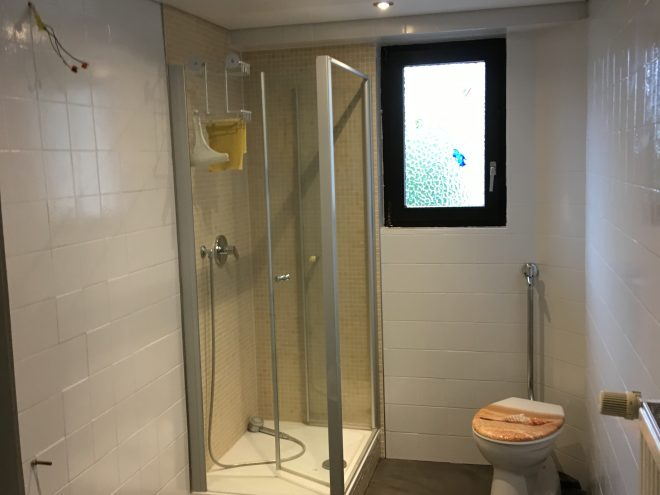 Badezimmersanierung in Östringen - Boden / Wand / Decke